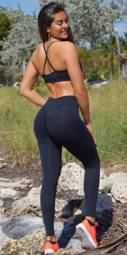 Black Scrunch booty leggings