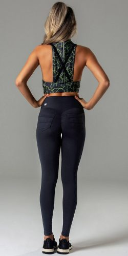 Scrunch-pocket leggings